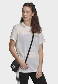 adidas Originals - T-SHIRT - T-shirt basic - white - 2