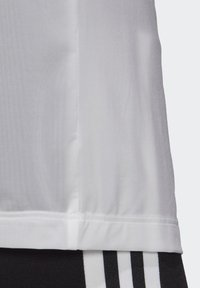 adidas Originals - T-SHIRT - T-shirt basic - white - 6