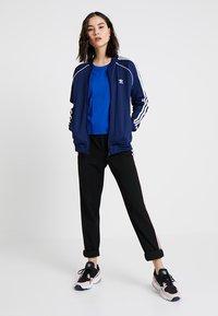 adidas Originals - ADICOLOR 3 STRIPES BOMBER TRACK JACKET - Training jacket - dark blue - 1