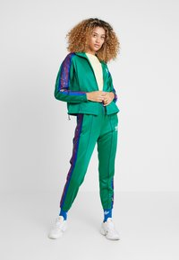 adidas Originals - TRACKTOP - Veste de survêtement - bold green - 1