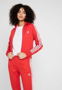 adidas Originals - FIREBIRD - Sportovní bunda - lush red - 0