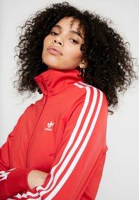 adidas Originals - FIREBIRD - Sportovní bunda - lush red - 4