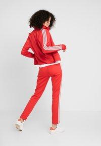 adidas Originals - FIREBIRD - Sportovní bunda - lush red - 2