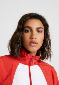 adidas Originals - LOGO - Veste de survêtement - lush red/white - 4