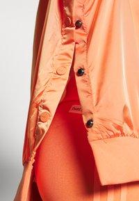 adidas Originals - Veste coupe-vent - semi coral - 4