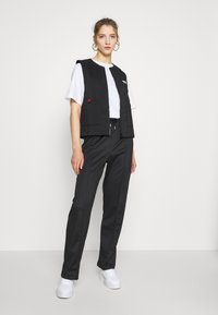 adidas Originals - SPORTS INSPIRED REGULAR VEST - Smanicato - black - 1
