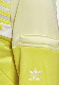 adidas Originals - DANIËLLE CATHARI TRACK TOP - Giacca sportiva - yellow - 4