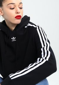 adidas Originals - CROPPED HOODIE - Hoodie - black - 3