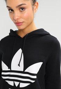 adidas Originals - ADICOLOR TREFOIL HOODIE - Sweat à capuche - black - 3