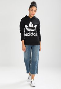 adidas Originals - ADICOLOR TREFOIL HOODIE - Luvtröja - black - 1