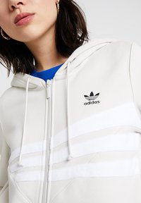 adidas Originals - ZIP HOODIE - Mikina na zip - raw white - 4