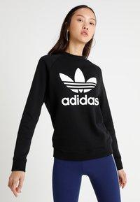 adidas Originals - CREW - Sweatshirt - black - 0