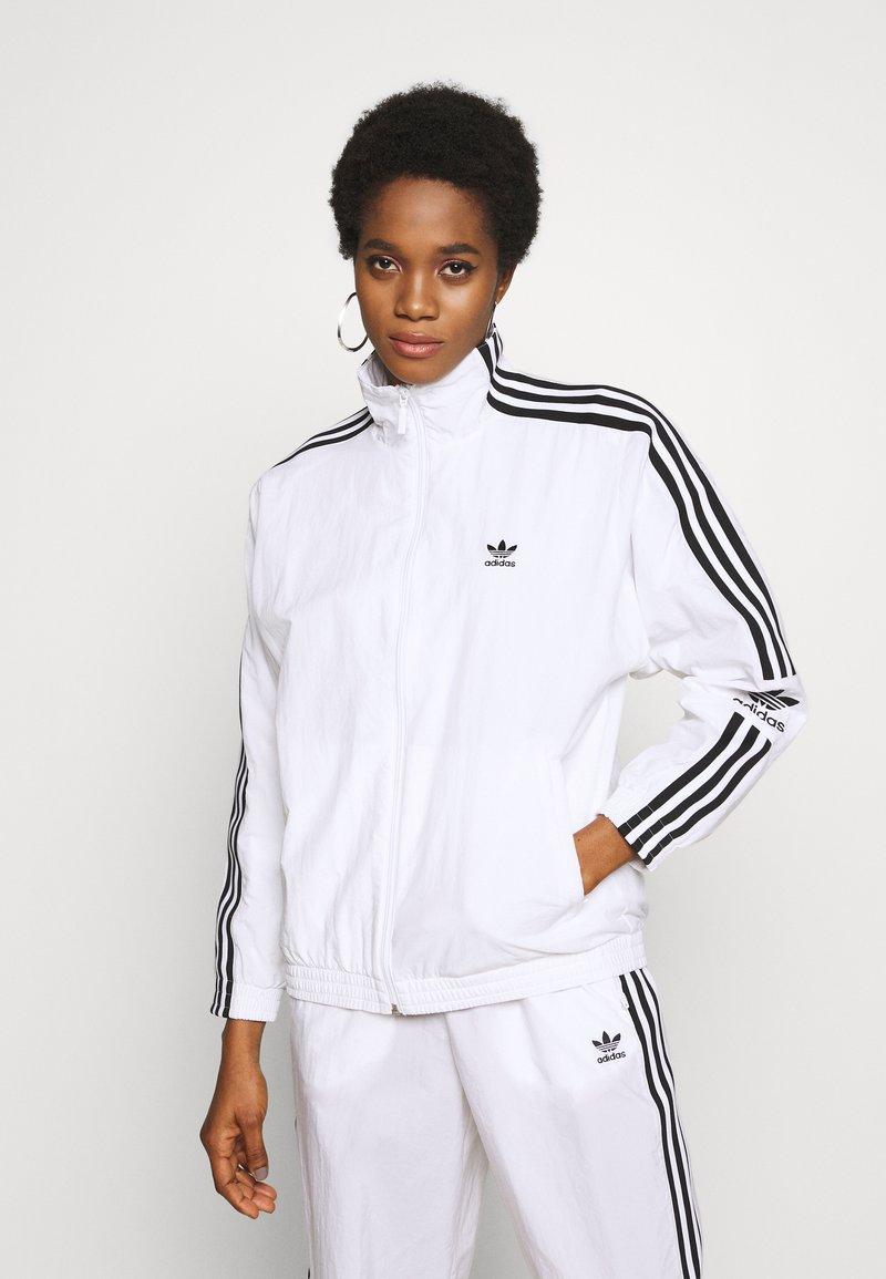 adidas Originals - ADICOLOR SPORT INSPIRED NYLON JACKET - Vindjakke - white
