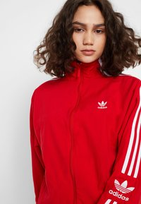 adidas Originals - LOCK UP - Leichte Jacke - scarlet - 3