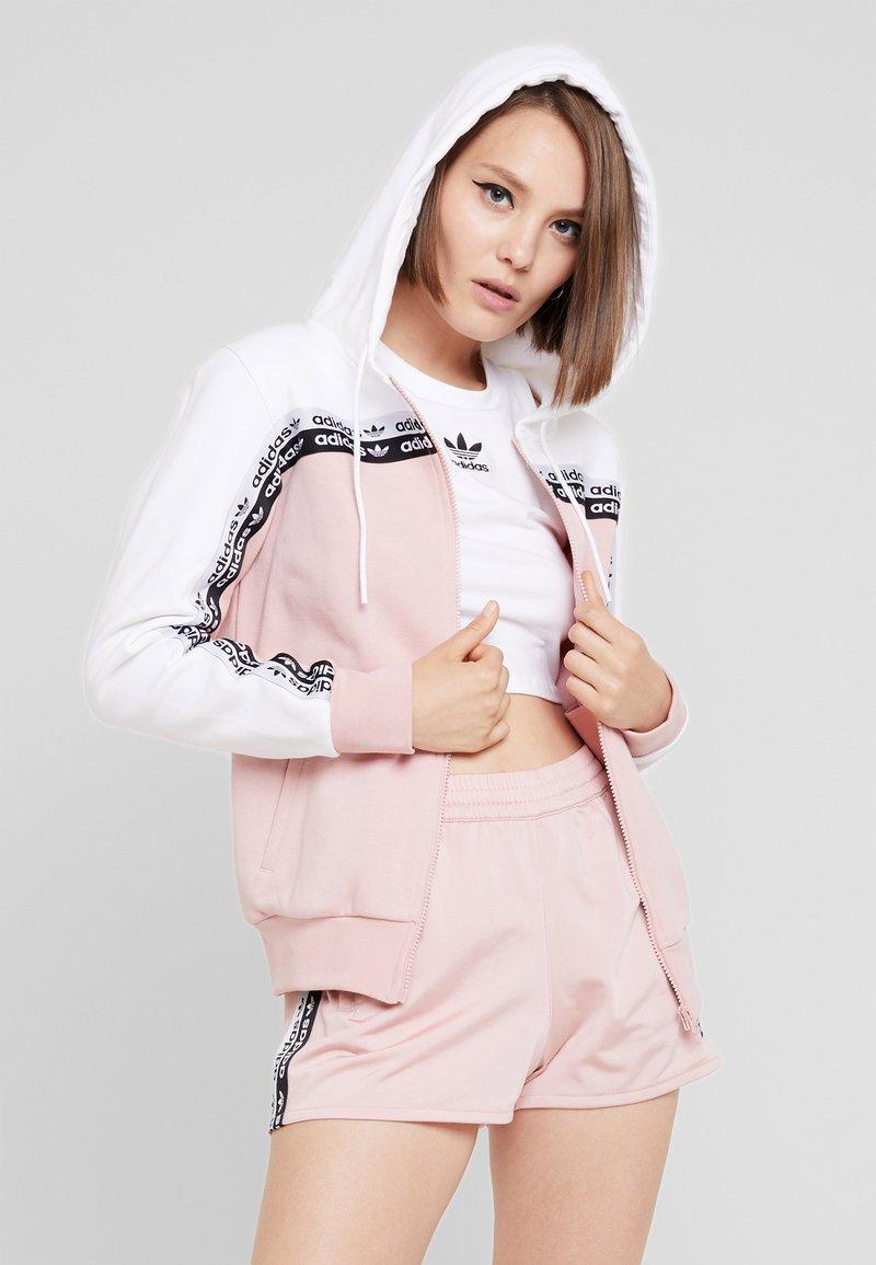 adidas Originals - TAPE TRACK HOODIE - Hoodie met rits - white/pink spirit