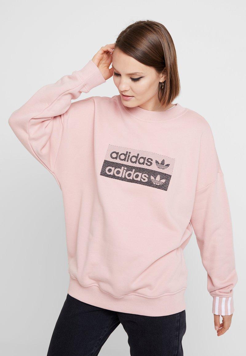 adidas Originals - RETRO LOGO PULLOVER - Sweatshirt - pink spirit