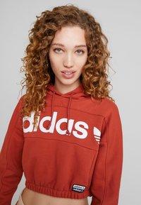 adidas Originals - HOODIE CROPPED - Hoodie - shift orange - 3