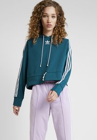 adidas Originals - BELLISTA 3 STRIPES CROPPED HOODIE - Jersey con capucha - tech mineral - 0