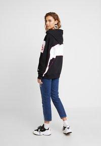 adidas Originals - LONG HOODIE - Mikina skapucí - black/white - 2