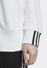 adidas Originals - SWEATSHIRT - Sweater - white - 4