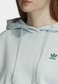 adidas Originals - CROPPED HOODIE - Luvtröja - green - 3