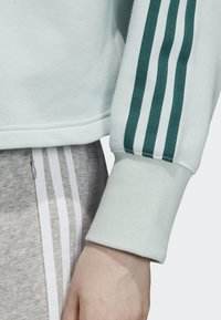 adidas Originals - CROPPED HOODIE - Hoodie - green - 4