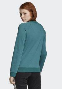 adidas Originals - TREFOIL SWEATSHIRT - Sweatshirt - green - 1