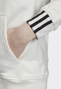 adidas Originals - FULL-ZIP HOODIE - Hoodie met rits - white - 5