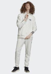 adidas Originals - FULL-ZIP HOODIE - Hoodie met rits - white - 1