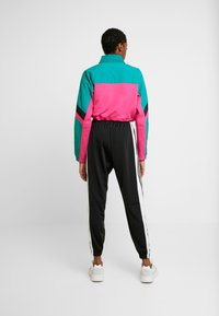 adidas Originals - BLOCKED CROP - Sweatshirt - pink - 2