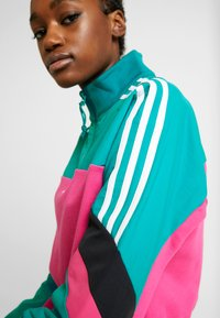 adidas Originals - BLOCKED CROP - Sweatshirt - pink - 3