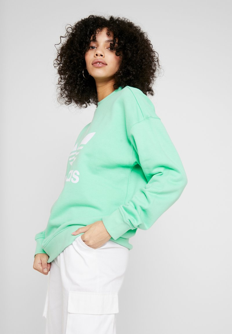 adidas Originals - ADICOLOR TREFOIL LONG SLEEVE - Sweatshirt - prism mint/white