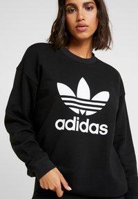 adidas Originals - ADICOLOR TREFOIL LONG SLEEVE PULLOVER - Sweater - black/white - 5