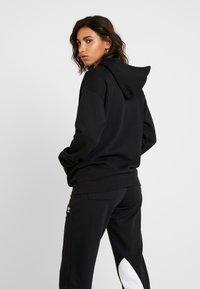 adidas Originals - ADICOLOR TREFOIL ORIGINALS HODDIE - Hoodie - black/white - 2