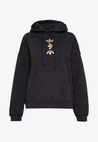 adidas Originals - LOGO HOODIE - Felpa con cappuccio - black/gold - 4