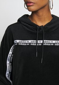 adidas Originals - CROPPED - Mikina skapucí - black - 4