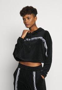 adidas Originals - CROPPED - Mikina skapucí - black - 0