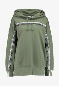 adidas Originals - R.Y.V. LOGO HODDIE SWEAT - Kapuzenpullover - legacy green - 3