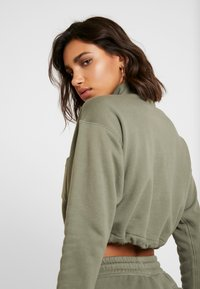 adidas Originals - CROPPED - Mikina - legacy green - 3