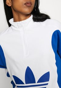 adidas Originals - Mikina - white/collegiate royal - 4