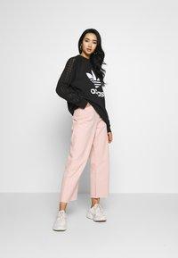 adidas Originals - BELLISTA TREFOIL LACE LONG SLEEVE PULLOVER - Sweatshirt - black - 1