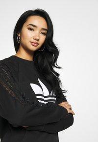 adidas Originals - BELLISTA TREFOIL LACE LONG SLEEVE PULLOVER - Sweatshirt - black - 3