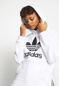 adidas Originals - HOODIE - Huppari - white - 5