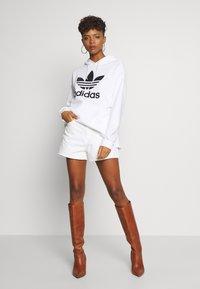 adidas Originals - HOODIE - Huppari - white - 1