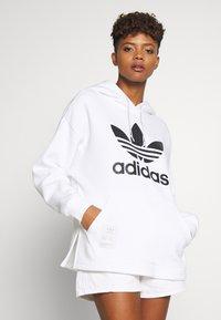 adidas Originals - HOODIE - Huppari - white - 0