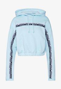 adidas Originals - CROPPED HOODIE - Bluza z kapturem - sky tint - 4