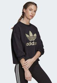 adidas Originals - PREMIUM CREW SWEATSHIRT - Sweatshirts - black - 3