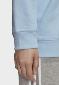 adidas Originals - TREFOIL CREW SWEATSHIRT - Sweater - blue - 5