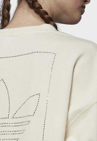 adidas Originals - SWEATSHIRT - Sweatshirt - white - 5