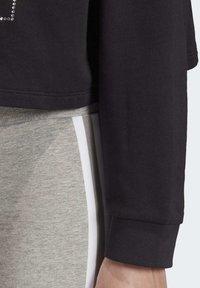 adidas Originals - CROPPED HOODIE - Bluza z kapturem - black - 5